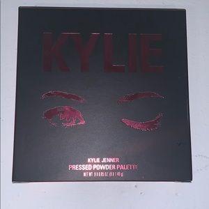 Kylie pressed powder palette (burgundy)